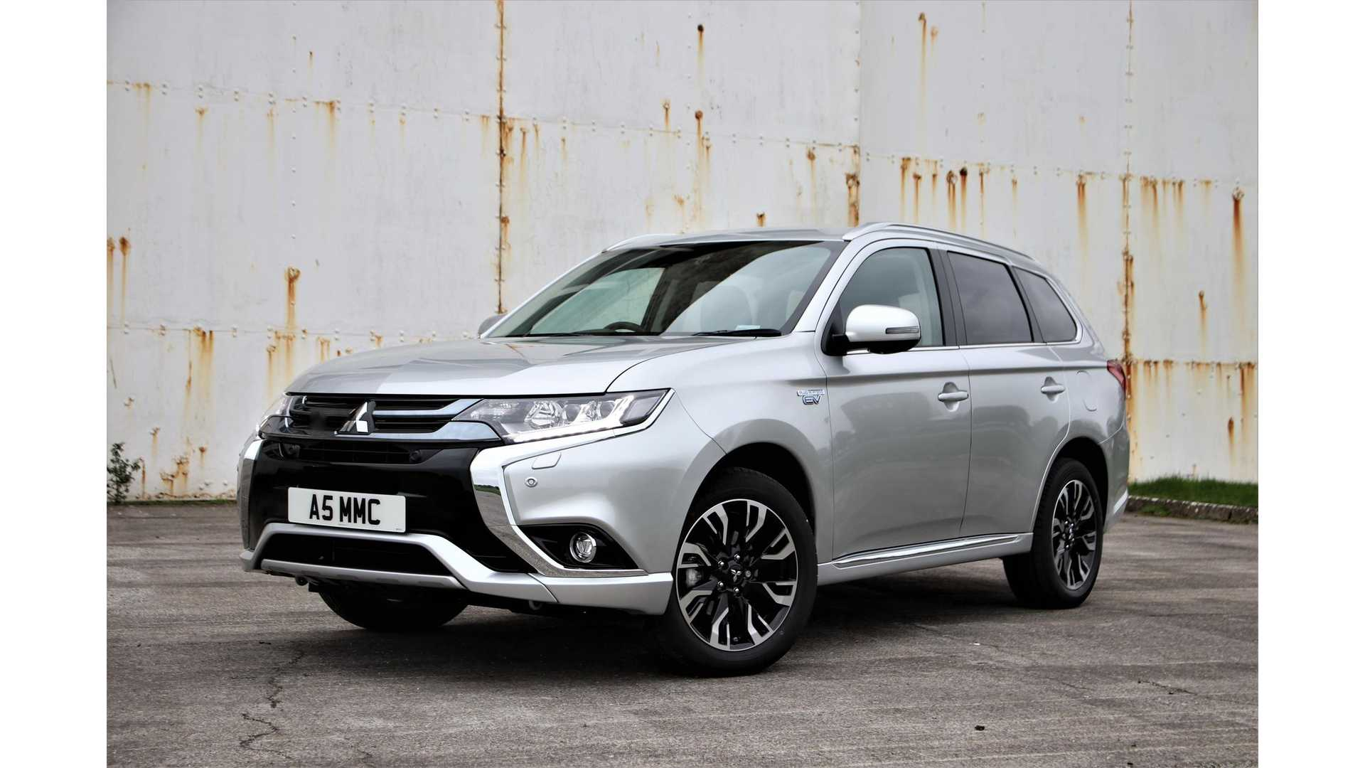 Mitsubishi Electric Car >> Mitsubishi Outlander Phev Leads British Plug In Electric Car