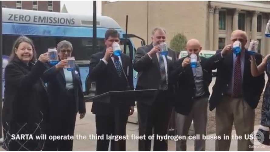 """Hydrogen Buses Arrive In Ohio, Naturally Media And Politicians """"Drink Exhaust"""" - Video"""