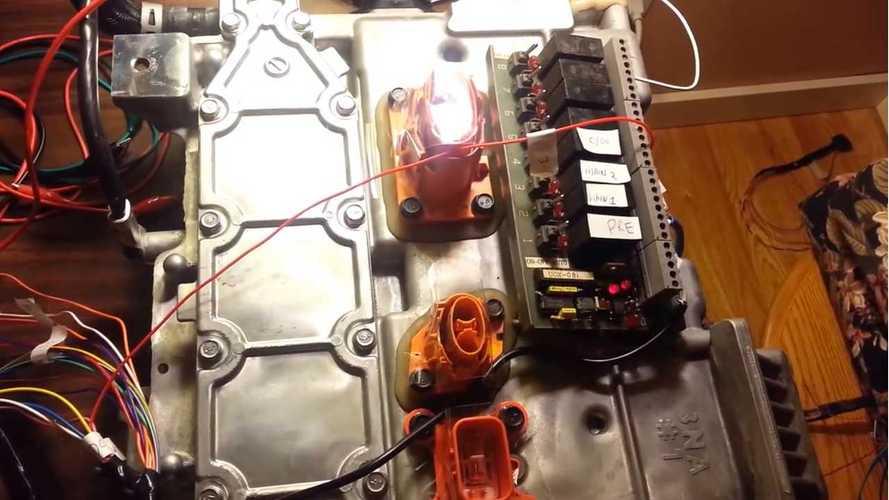 Nissan LEAF DC/DC Converter Decoded - Video