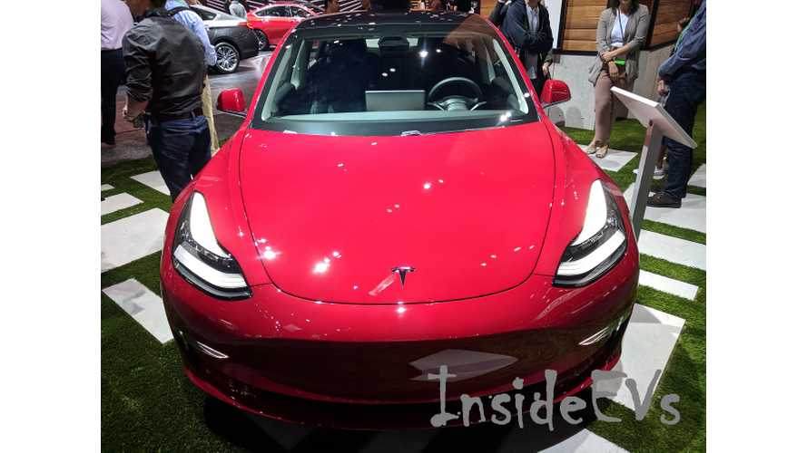 Check Out This Soirée For The Tesla Model 3 At Aventura Mall In Miami