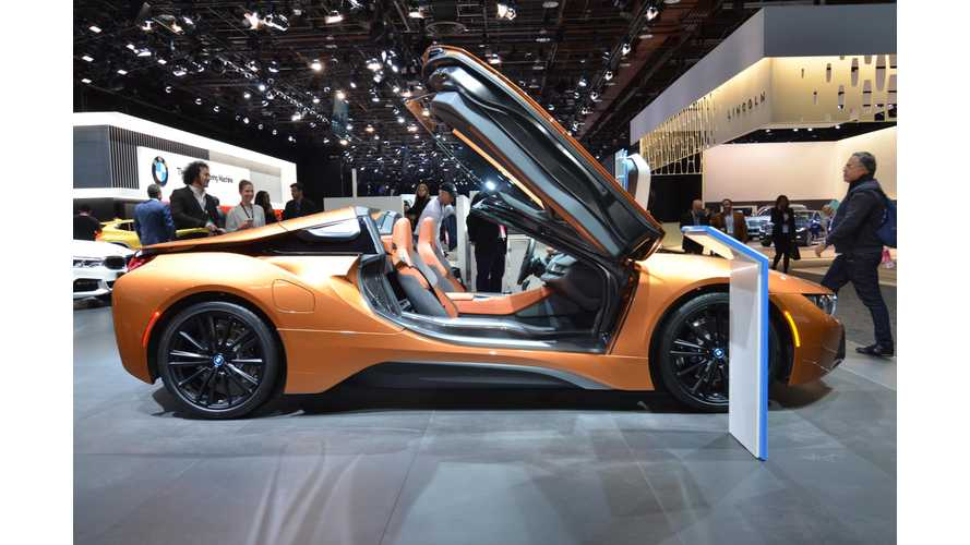 BMW i8 Roadster & i8 Coupé at The 2018 NAIAS - Photos & Videos
