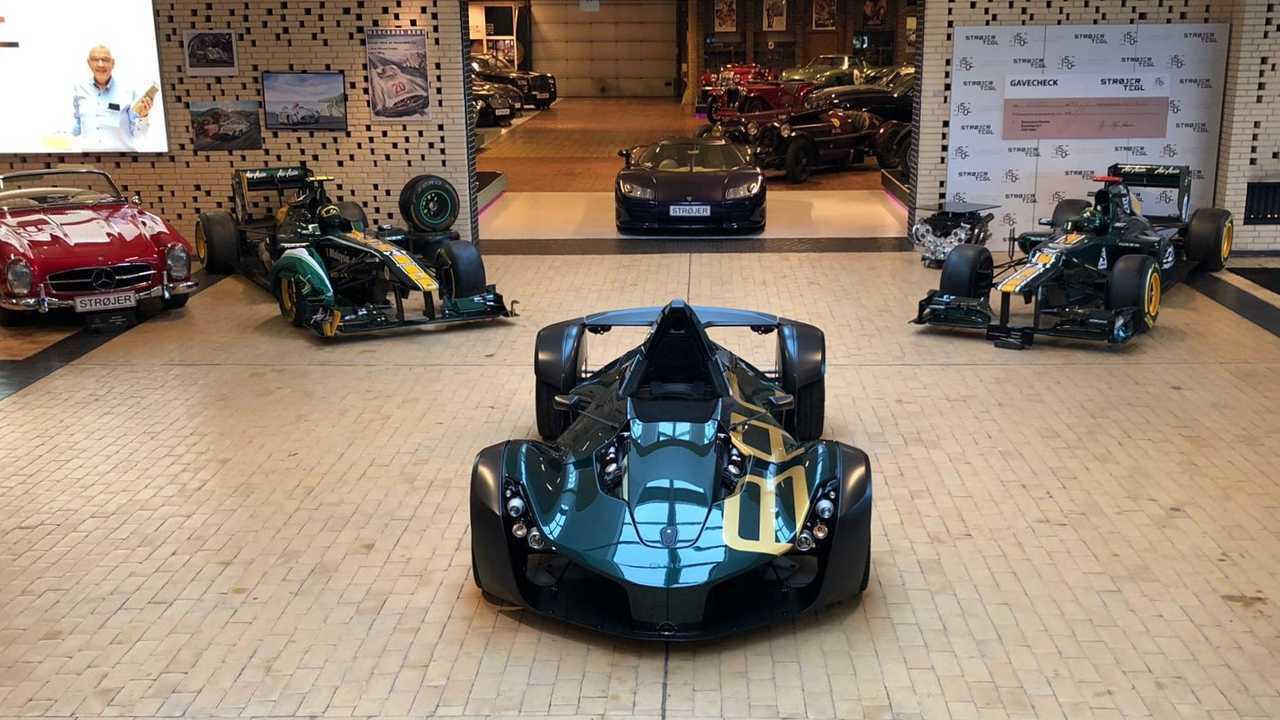 Юбилейный спорткар BAC Mono отправился в Данию