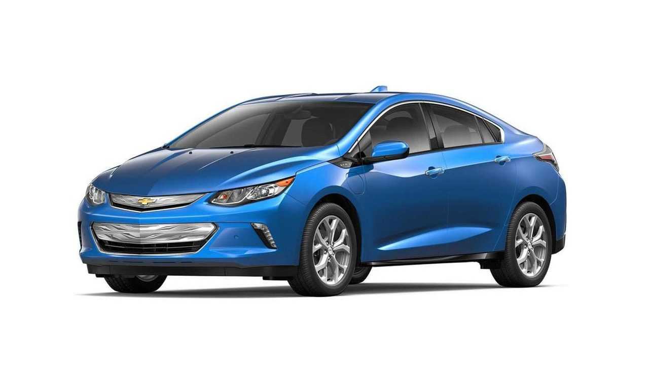 Chevy Volt, Bolt Lead Charge In Canada's 2017 May Sales