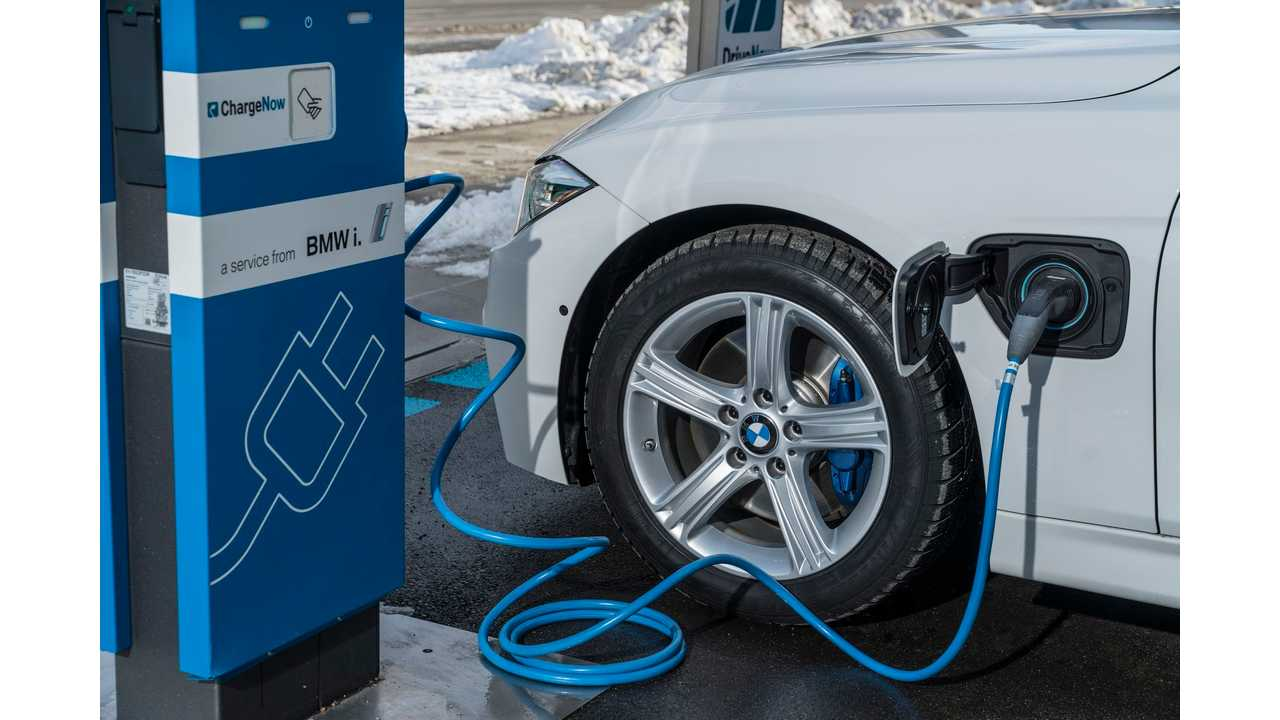 BMW 330e Plug-In Hybrid Gets EPA Rated Electric Range Of 14 Miles