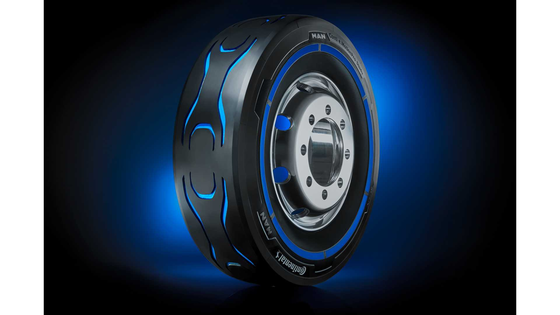 Continental & MAN Present Concept Tire For Electric Trucks