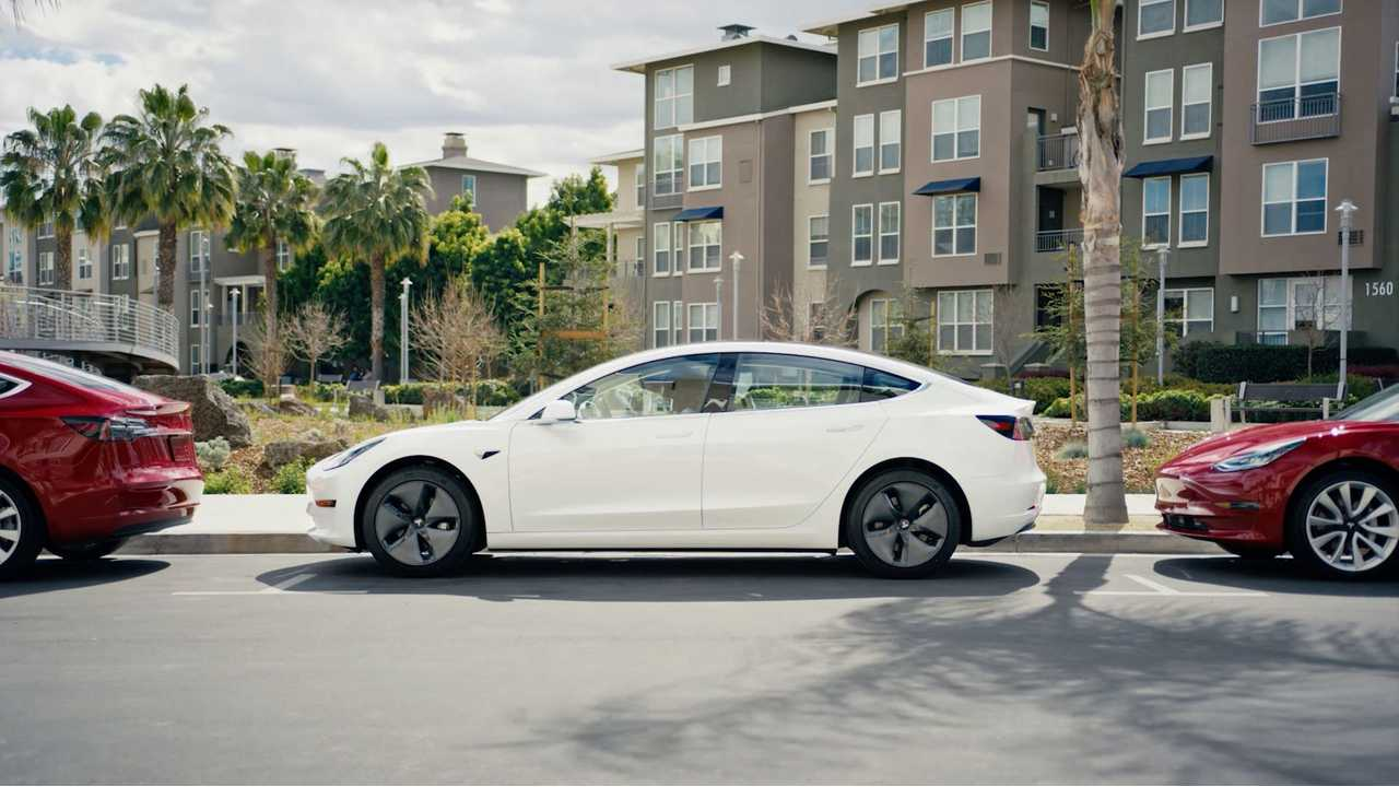 US All-Electric Car Sales Charted: November 2018