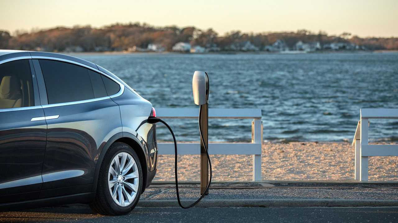 New Zealand Is Making Plans For The First EV-Only Island