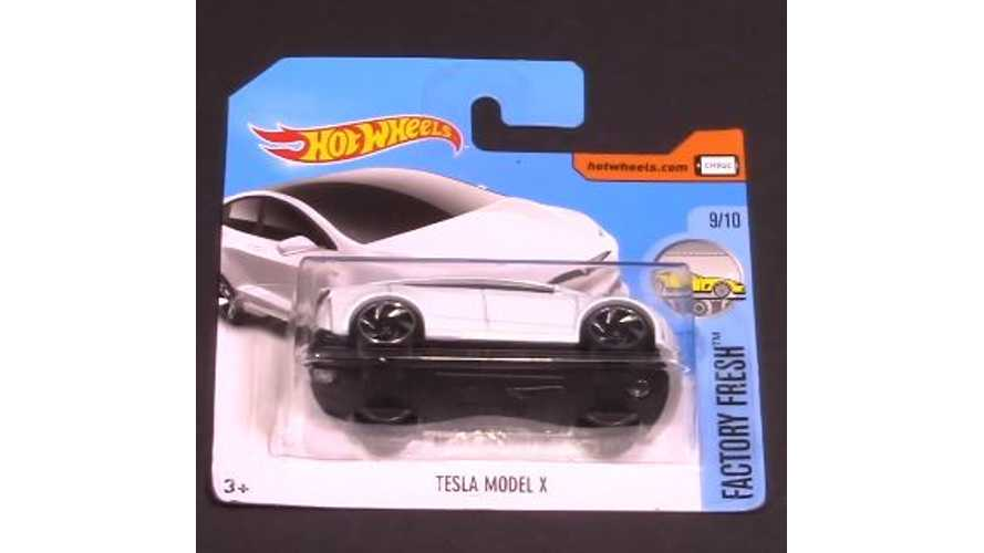 Tesla Model X Hot Wheels Review & Top Speed Test - Video