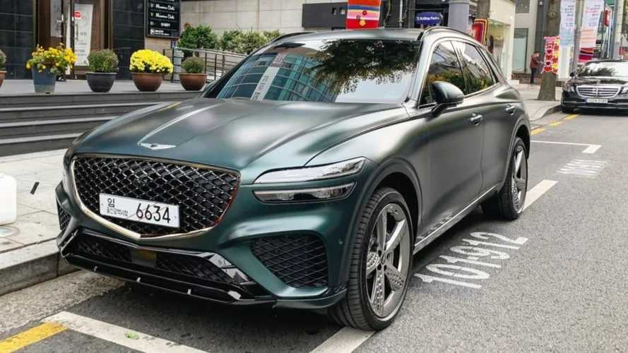 2022 Genesis GV70 Sport in matte green looks sophisticated on video