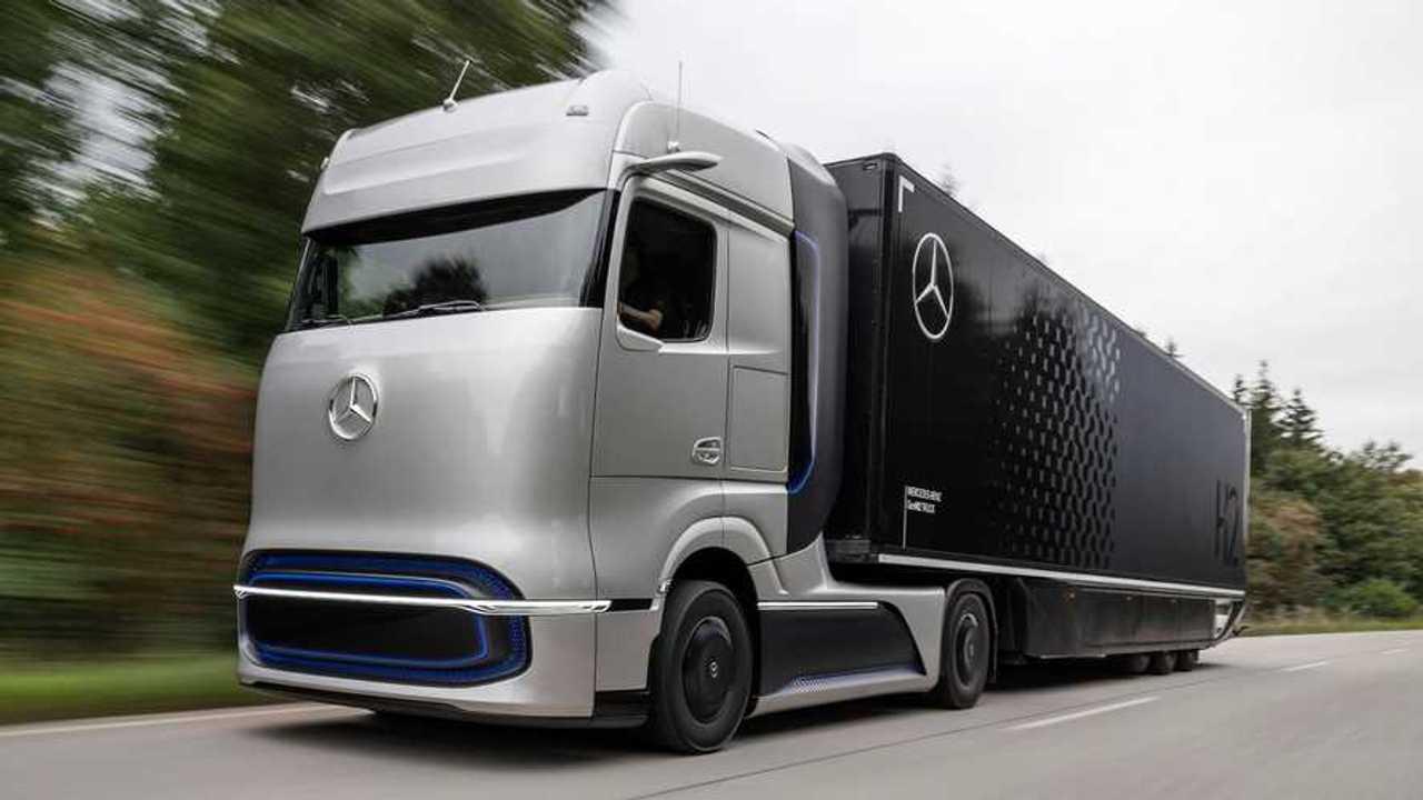 Mercedes GenH2 Truck: Wasserstoff-Lkw als Designstudie