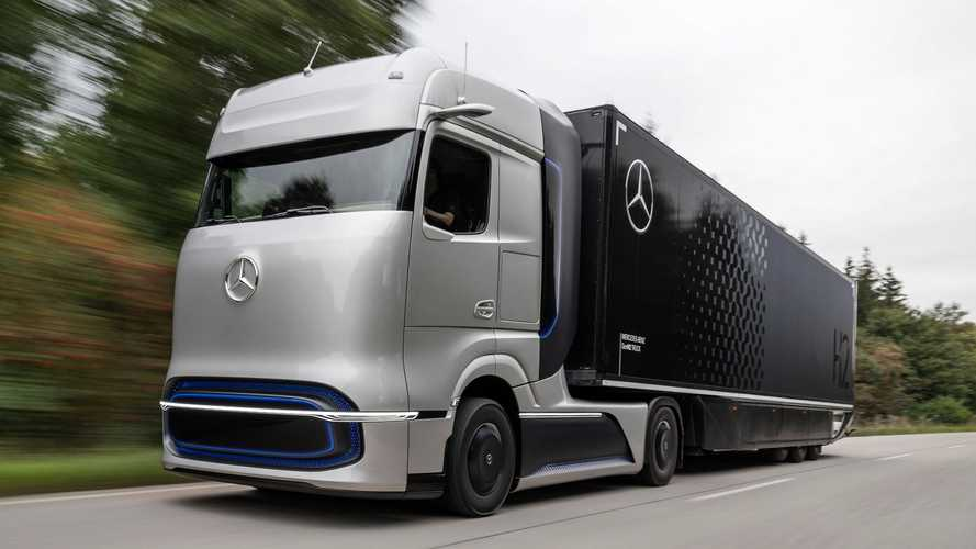 Mercedes GenH2 Truck: Wasserstoff-Lkw mit 1.000 km Reichweite