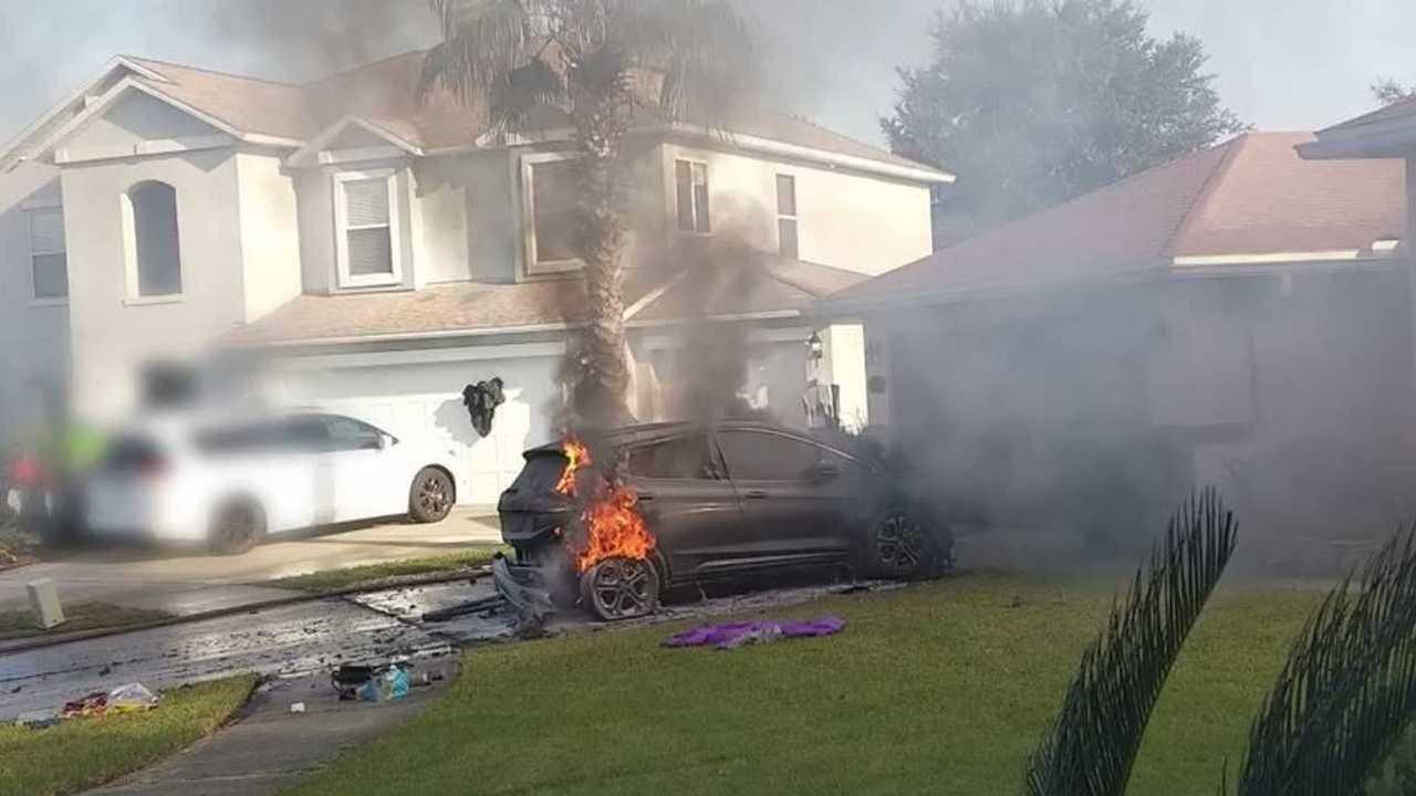 Chevrolet Bolt in fire
