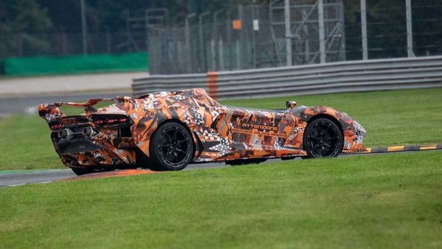 Lamborghini seemingly teases wild track car with no roof