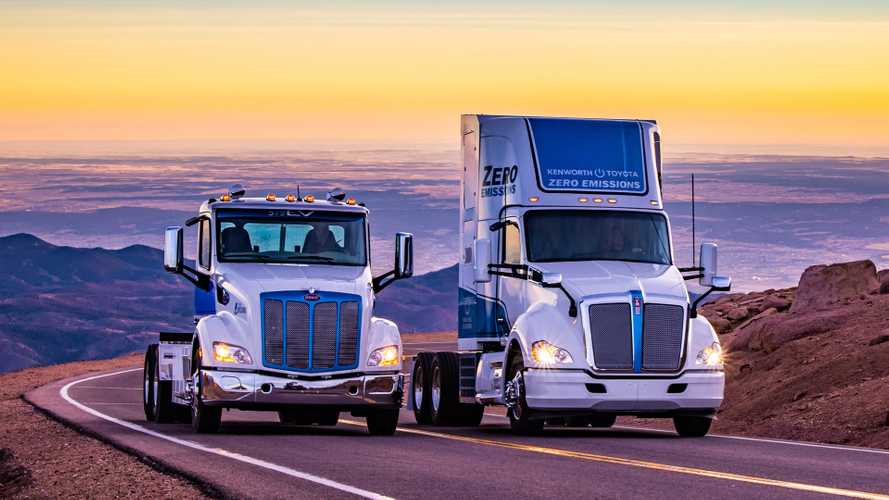 Peterbilt EV And Kenworth Fuel Cell Truck Summit Pikes Peak
