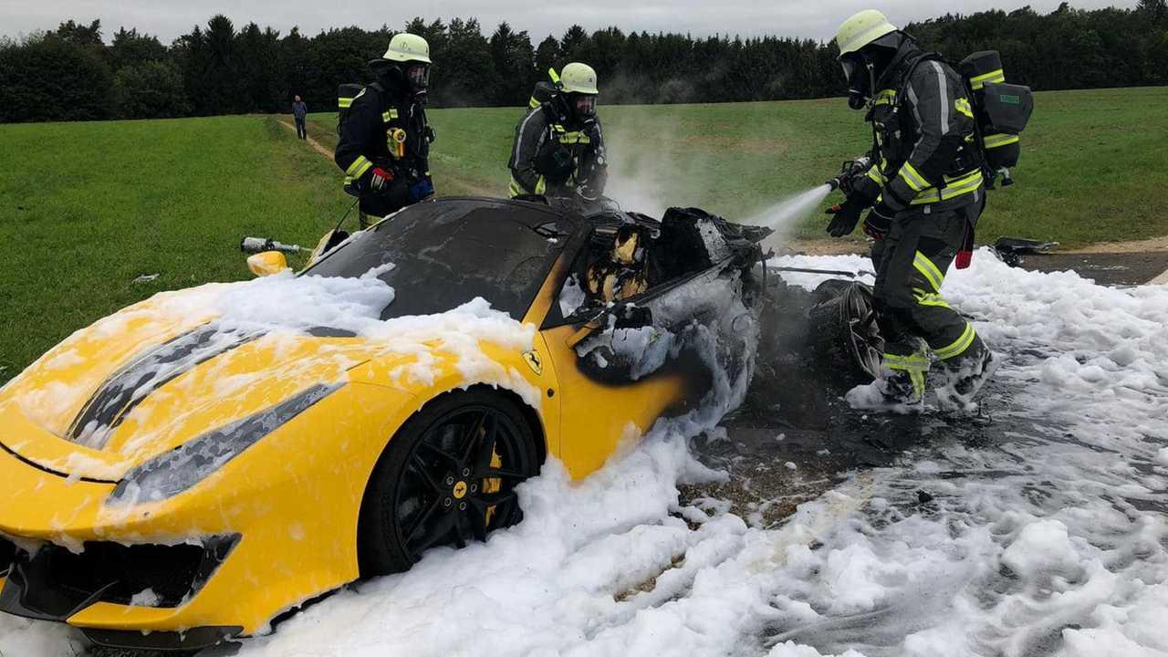 Ferrari 488 Pista Spyder Fire
