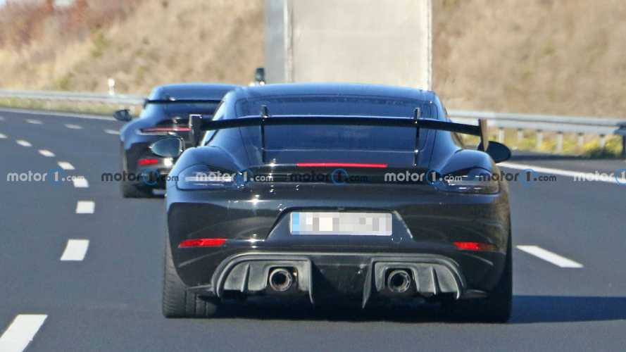Porsche 718 Cayman GT4 RS new spy photos