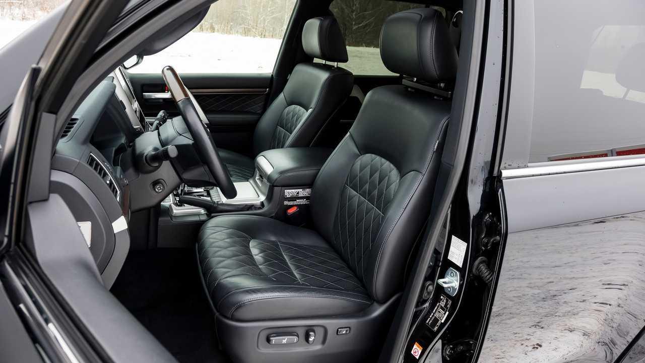 Передние кресла Toyota Land Cruiser 200 Khann HRS