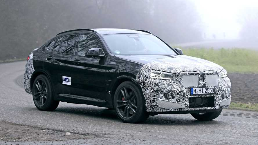 BMW X4 restyling, le foto spia durante i test