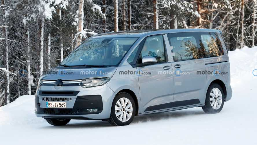 VW T7 Multivan caught in winter spy photos