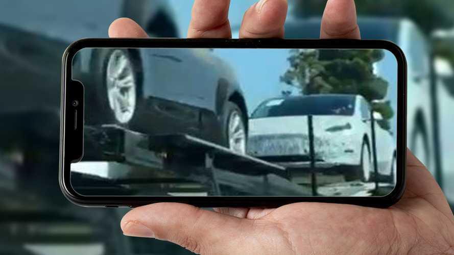 Tesla: uno strano prototipo esce dal Centro Stile californiano