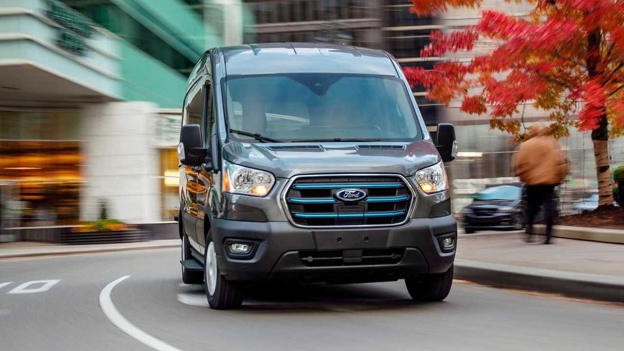 Ford E-Transit - Su strada