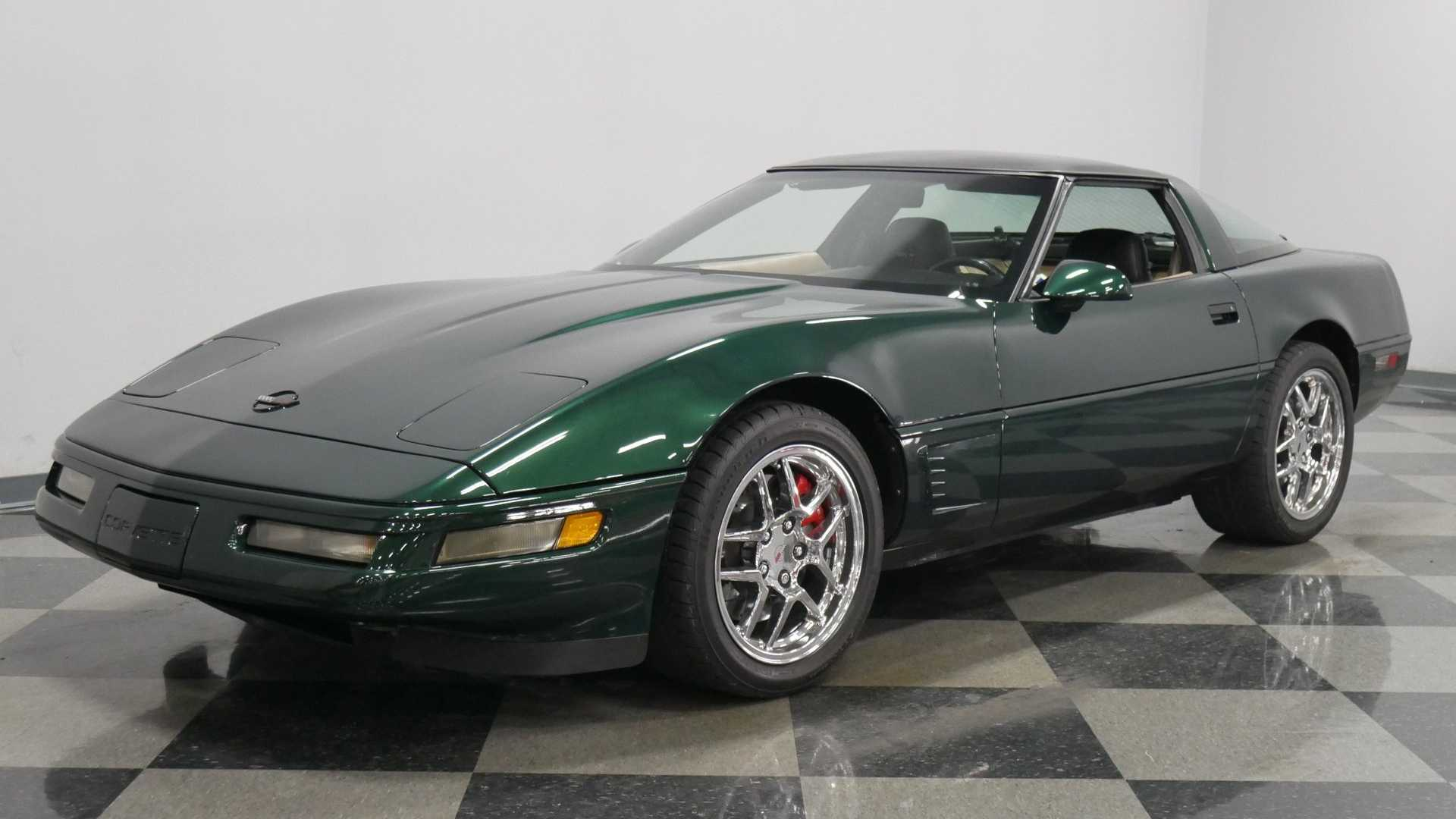 Polo Green 1995 Chevrolet Corvette C4 Is A Real Winner