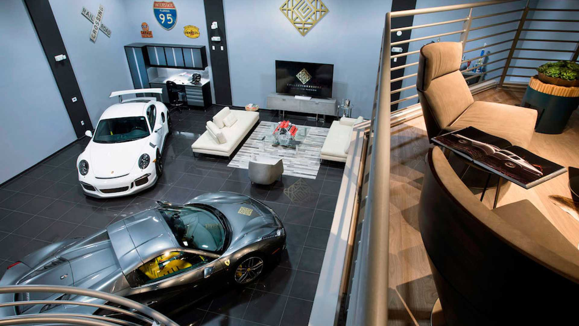 "[""How to Build a More Valuable Car Collection According to the Experts at Collection Suites""]"