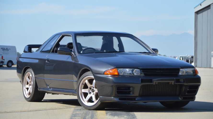 This R32 Nissan Skyline GT-R Has The Twin-Turbo Heart Of An R34