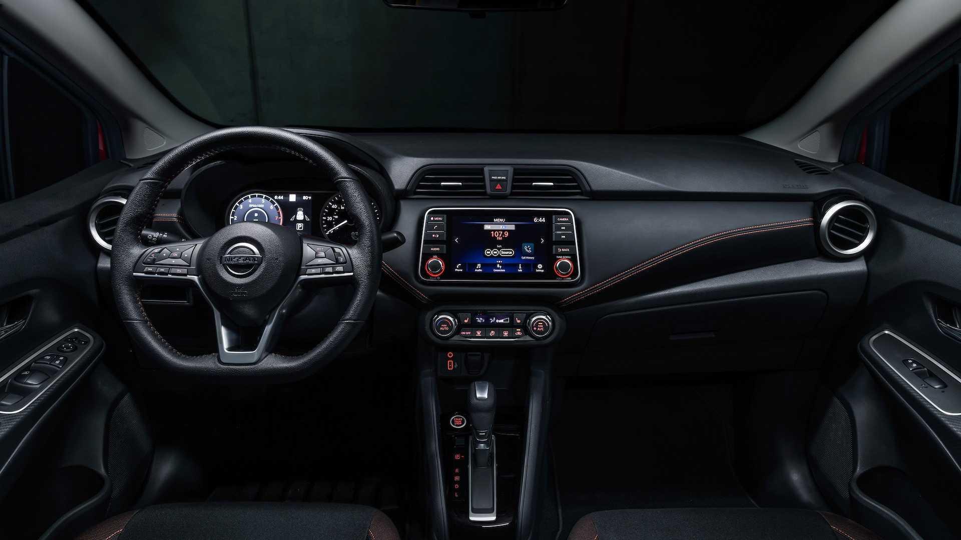 Nissan Versa 2020 - Primeiras impressões