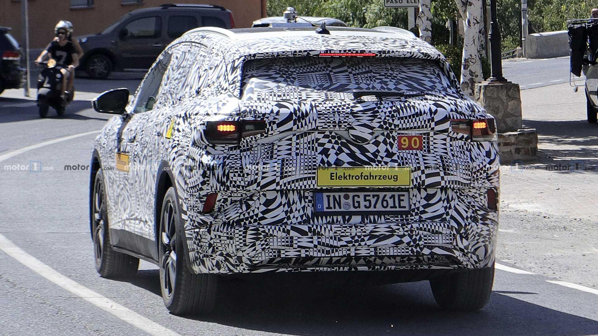 2020 - [Volkswagen] ID.4 Vw-i-d-crozz-spy-photo