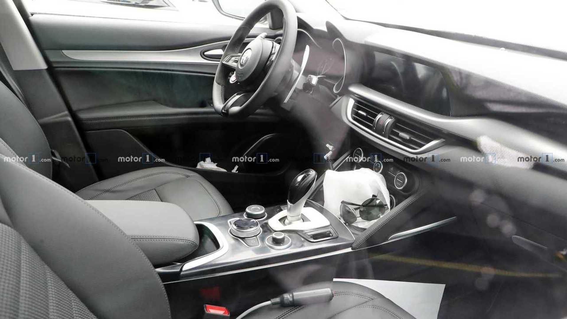 2020 Alfa Romeo Stelvio Facelift 30