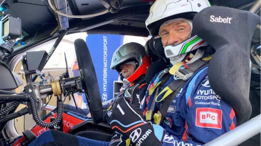 Infinito Tarquini: in Sardegna prova la Hyundai i20 Coupé WRC Plus!