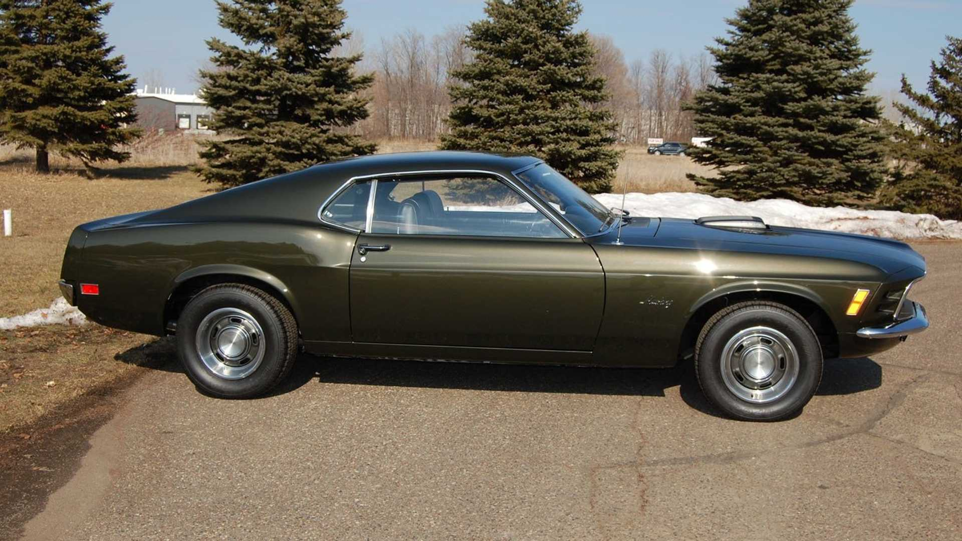 "[""This Dark Ivy Green 1970 Ford Mustang Fastback Arouses Envy""]"