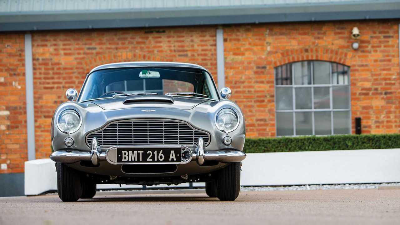 Aston Martin DB5 Джеймса Бонда продан за 6,4 миллиона