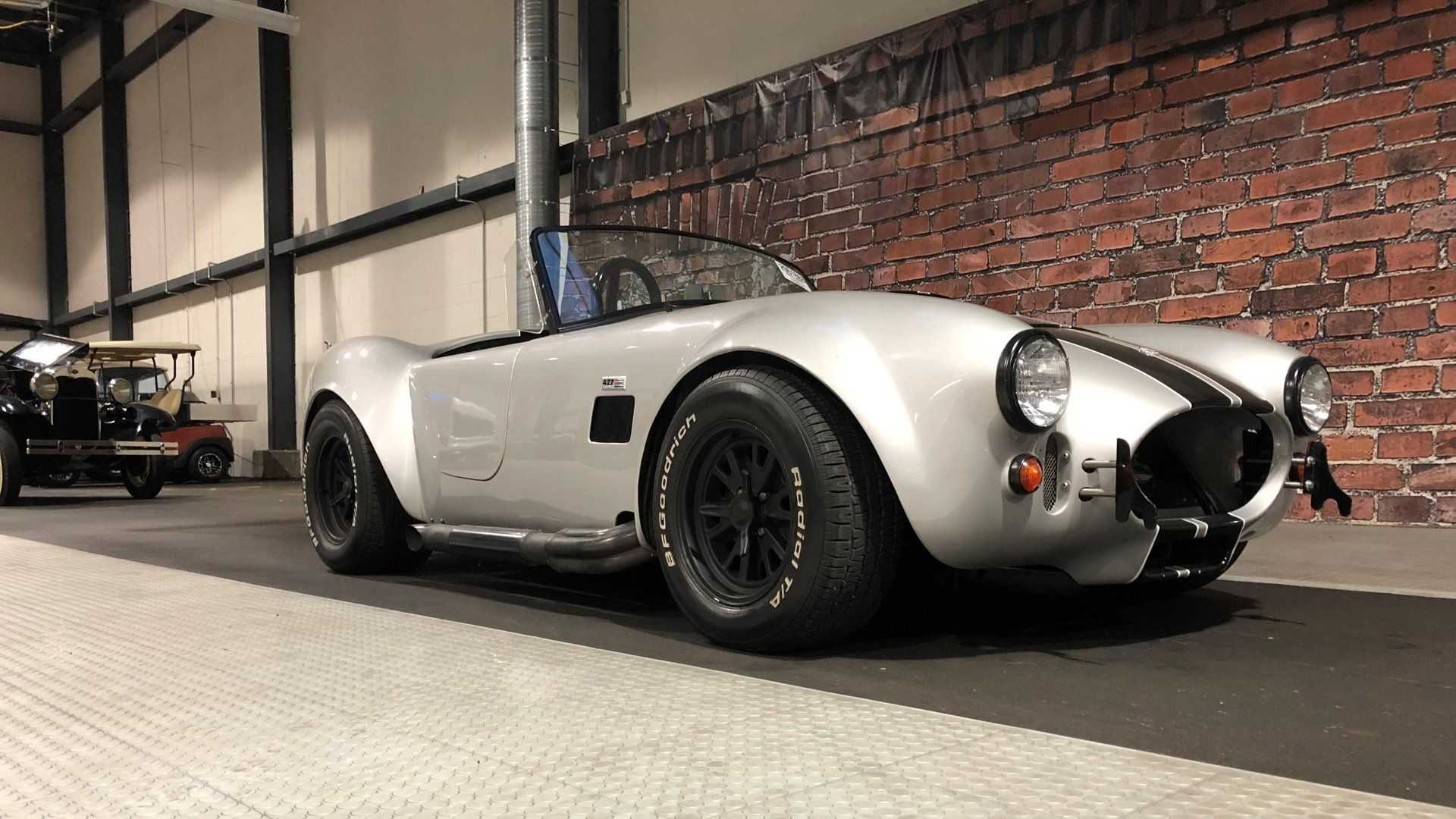 "[""2005 Factory Five Cobra Is The Replica Of Your Dreams""]"