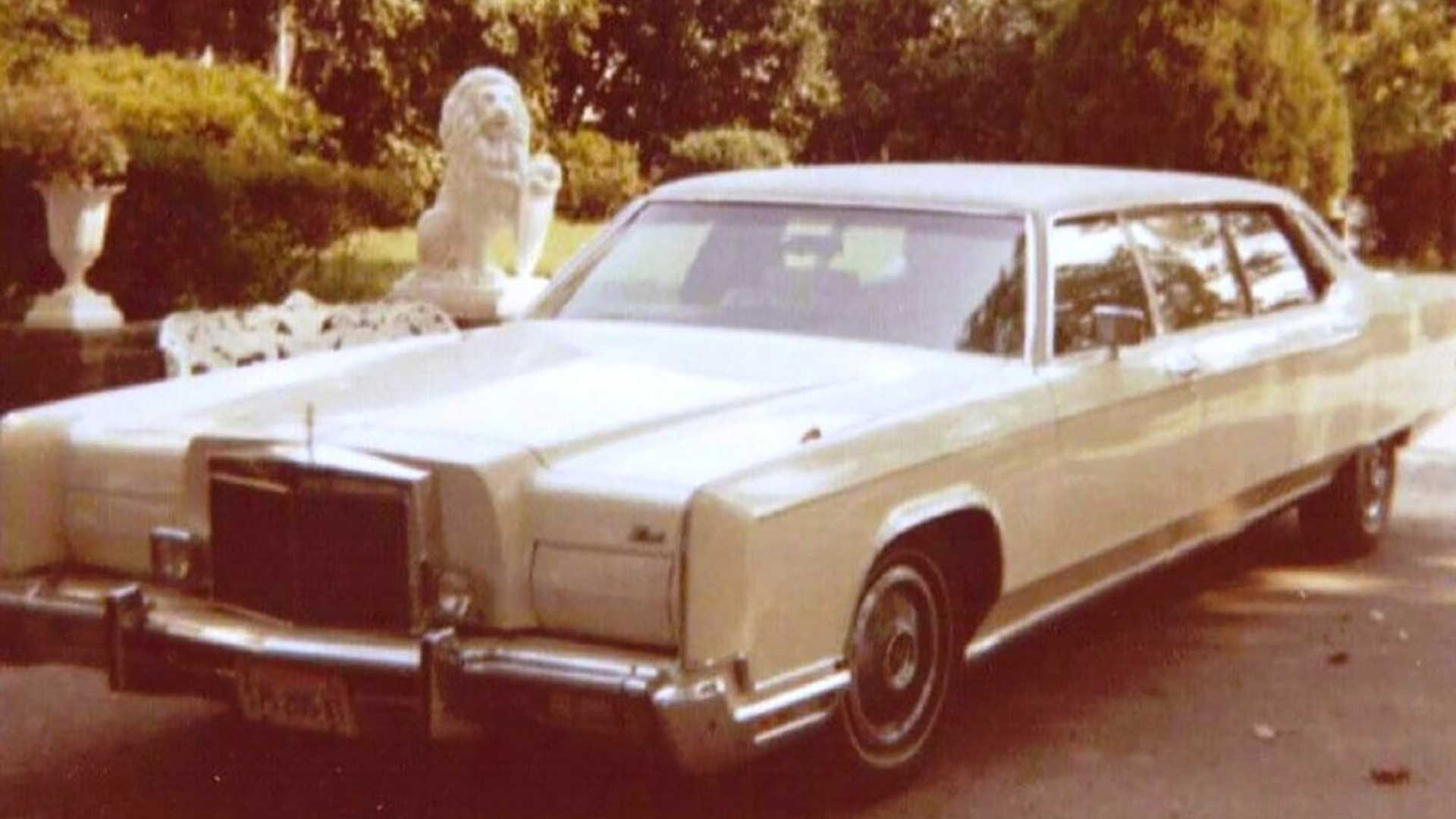 """[""""Trio Of Elvis Presley Vehicles Being Auctioned Off""""]"""