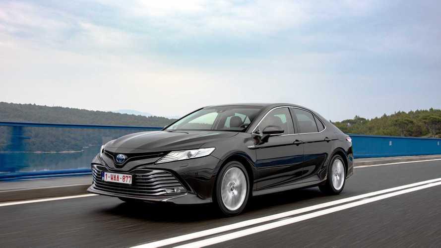 Toyota Camry (2019): Avensis-Nachfolger mit Hybridantrieb