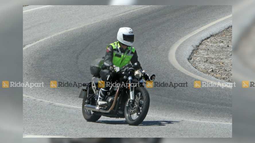 Triumph Bobber TFC Spy Shots