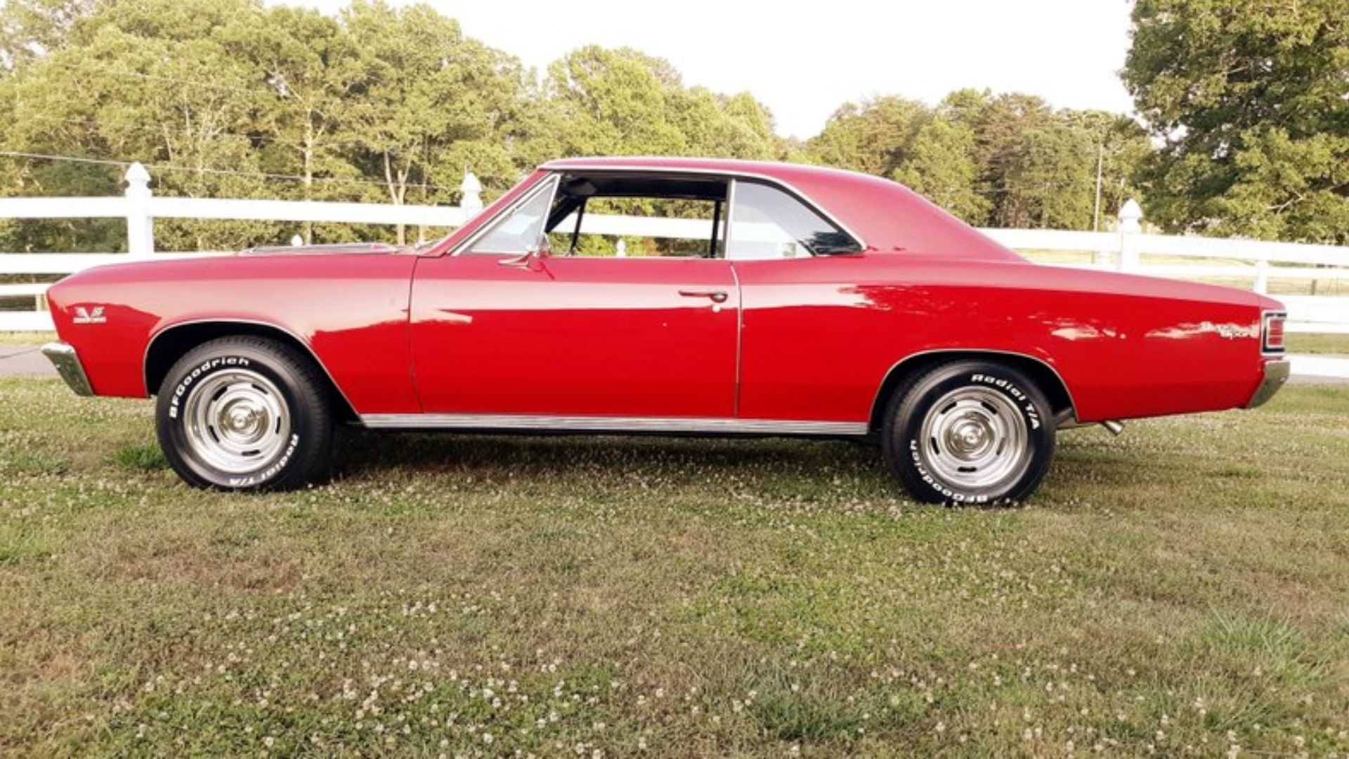 "[""1967 Chevrolet Chevelle SS Is A Red Hot Collectible""]"