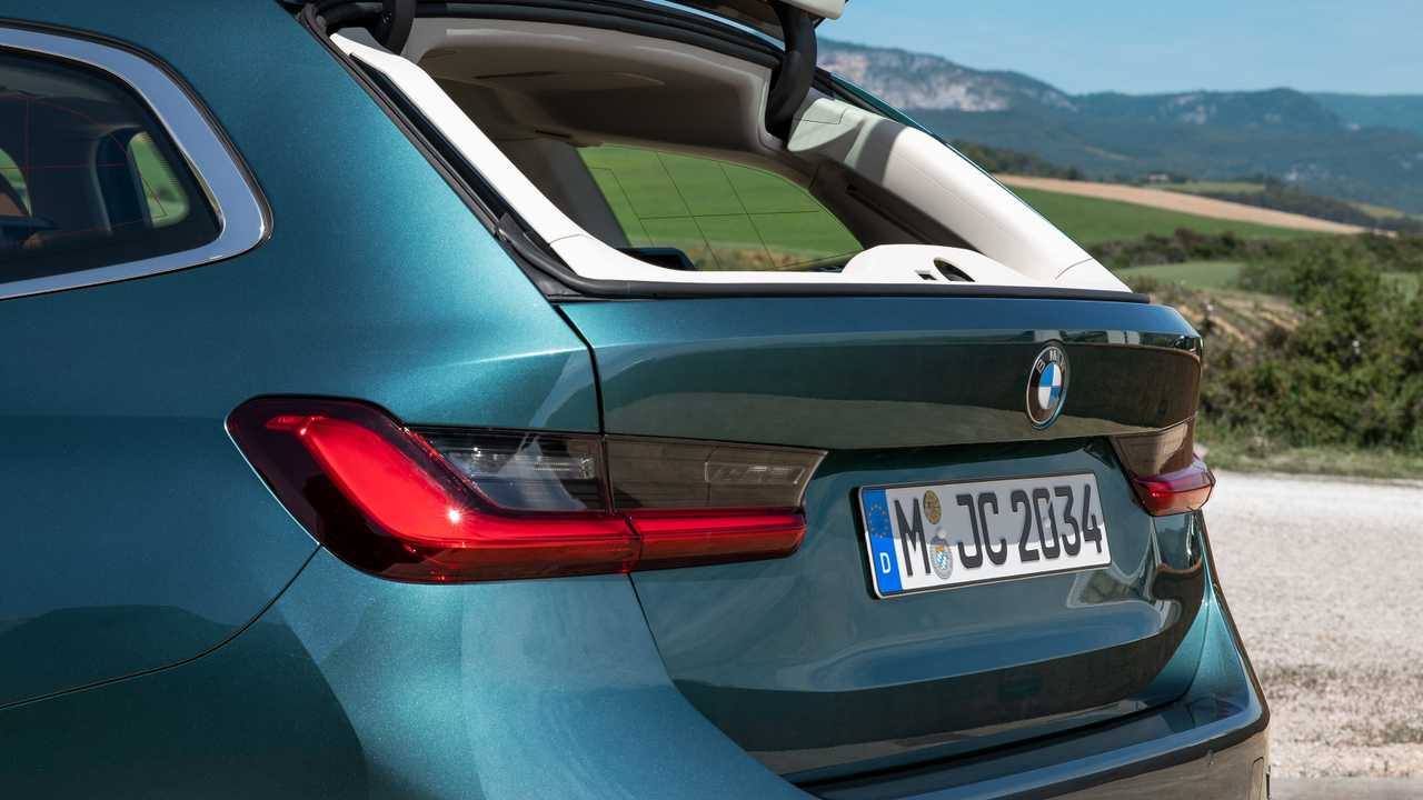 BMW Says Not Many Owners Know About A Wagon's Opening