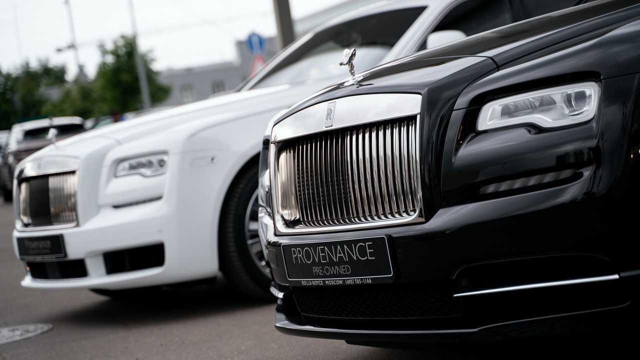 Миллионеры стали чаще покупать подержанные Rolls-Royce и Bentley