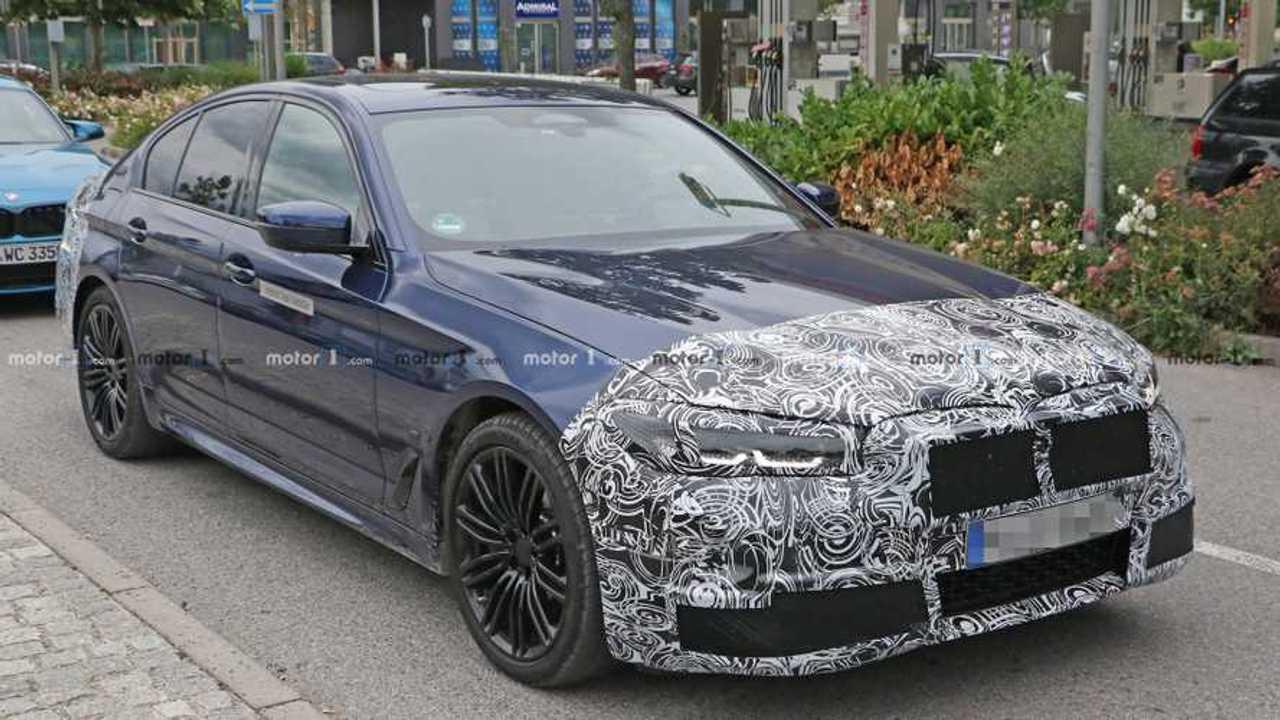 BMW 545e шпионское фото