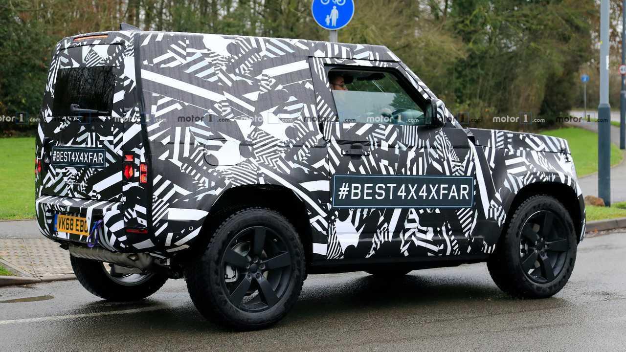 Land Rover Defender 90 spy photo
