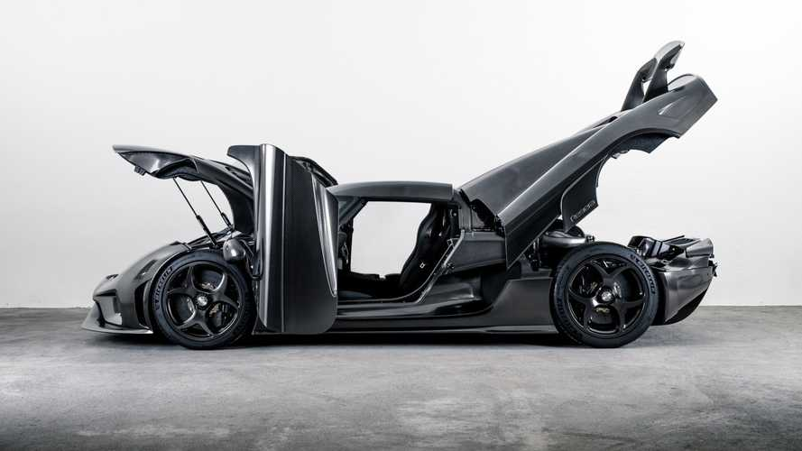 Koenigsegg reveals world's first naked carbon fibre body