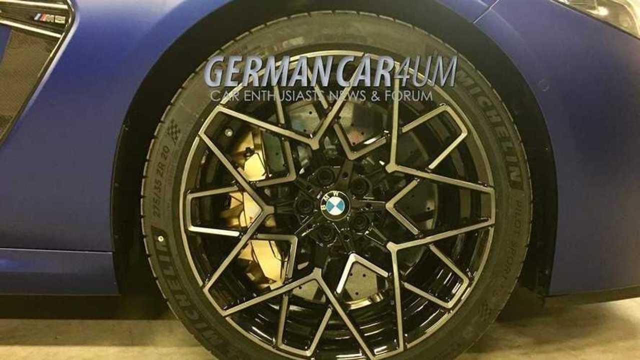 Фотография шпиона BMW M8