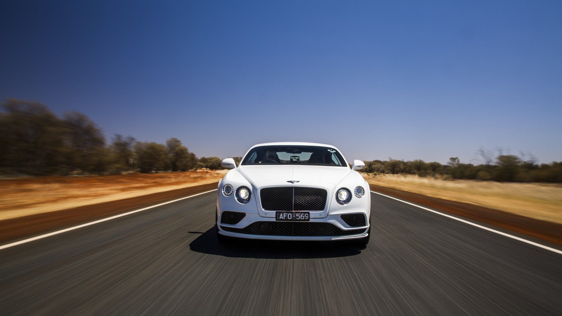 Bentley shows the Continental GT Speed hitting its 206 mph top speed ...