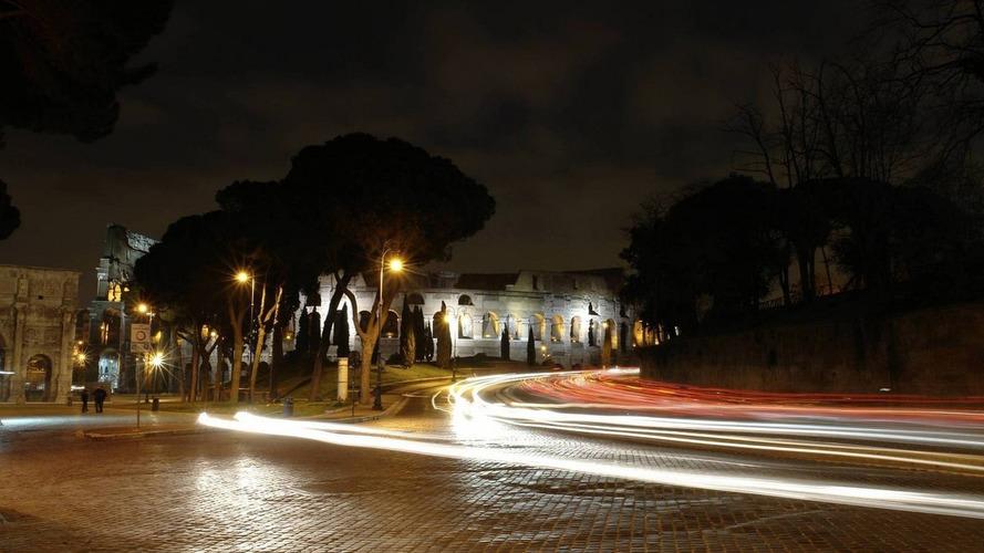 Milan hit with three-day car ban to reduce smog