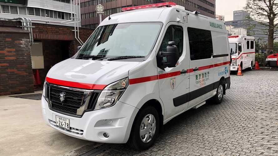 Nissan lancia l'ambulanza elettrica su base NV400