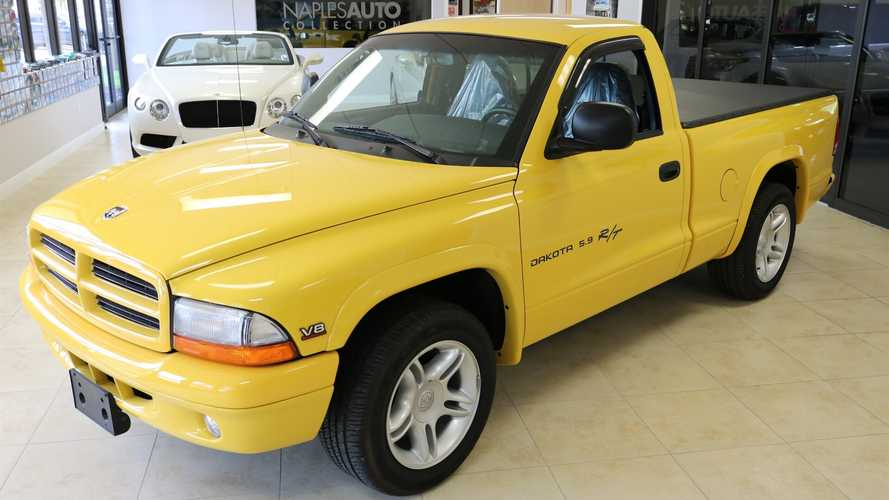 Dealer Has 2 Of The Nicest V8 Dodge Dakota R/T Sport Trucks For Sale