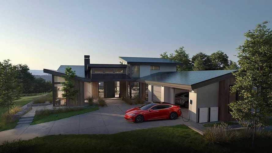 Tesla vuole l'Europa. Pronti pannelli solari, powerwall e wallbox